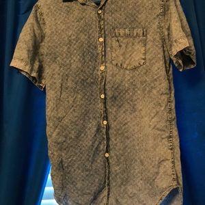 Men Chambray Button Down S/S Shirt
